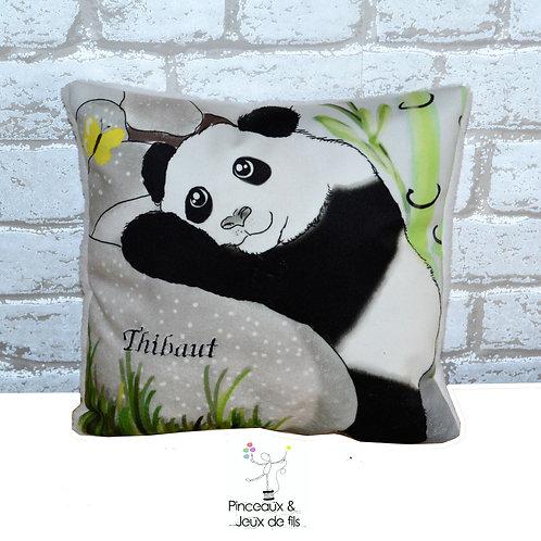Petit Coussin brodé Panda de Printemps