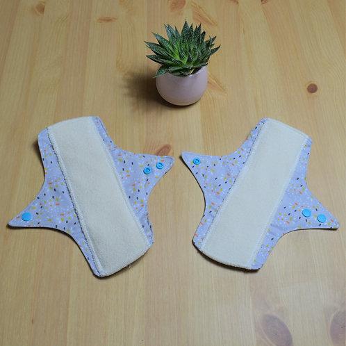 Lot de 2 serviettes hygiéniques nuits lavables  en coton bio motif confettis