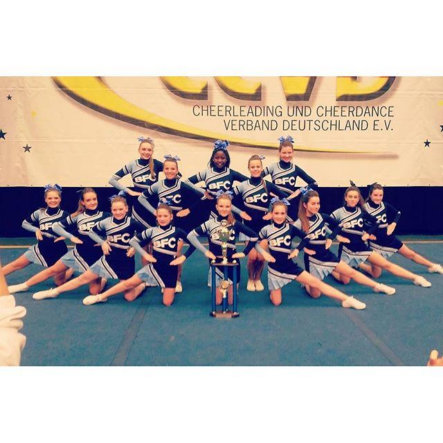 Be famous Cheer Company_Thunders_Mit einem Hammer Programm holen sich unsere Juniors den verdienten