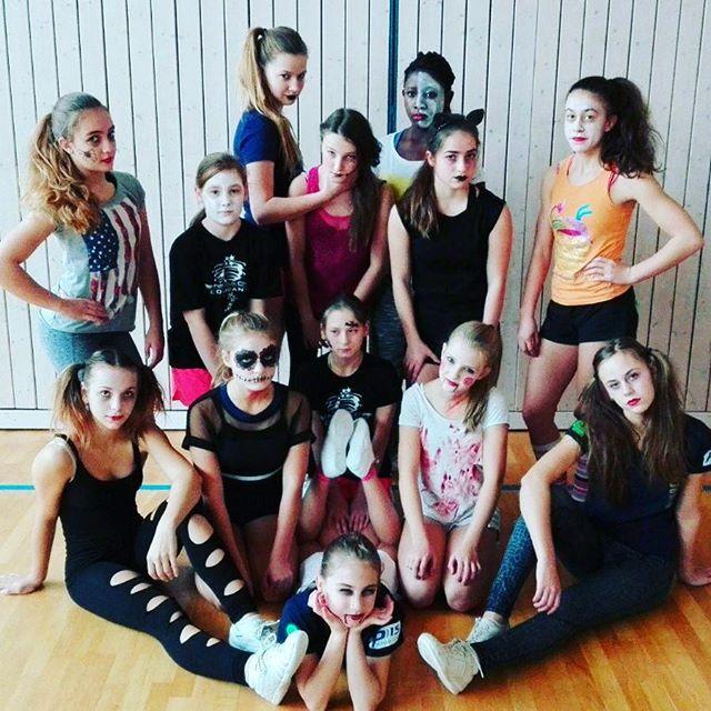 Junior All-Girl Team _#halloween#cheer#Junior#Team#ccvd#cheerleading#cheer#crazy#bfcthunders