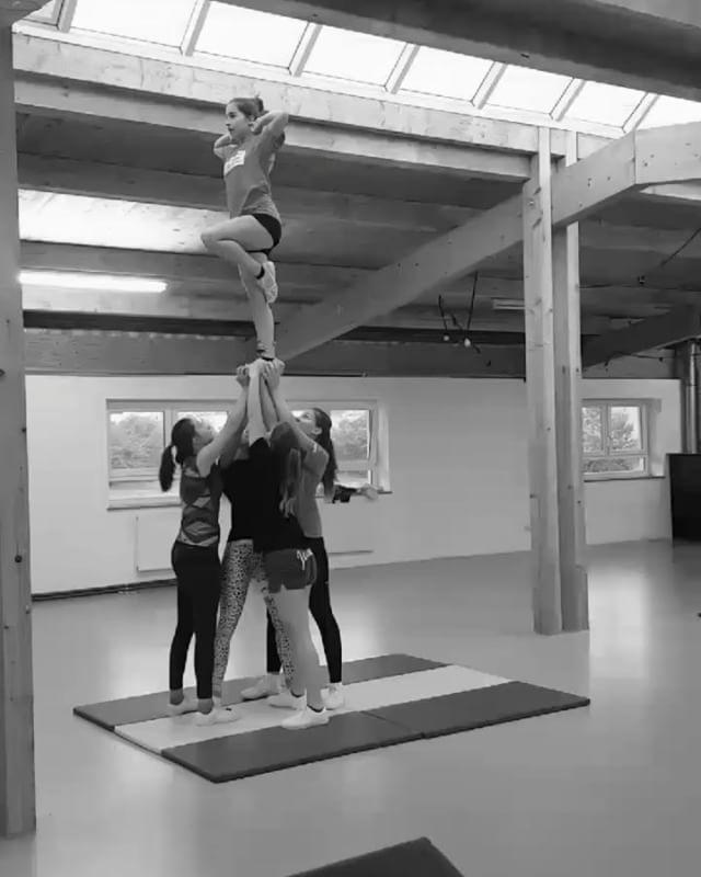 Ausschnitte aus dem Ferien-Training der Infinity Force Senior Mädels _#Stillgoon#