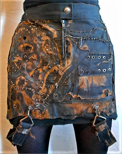 INFECTED SKIRT