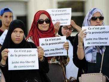 L'interdiction du voile lors des sorties scolaires : un faux débat et un appareillage juridique supe