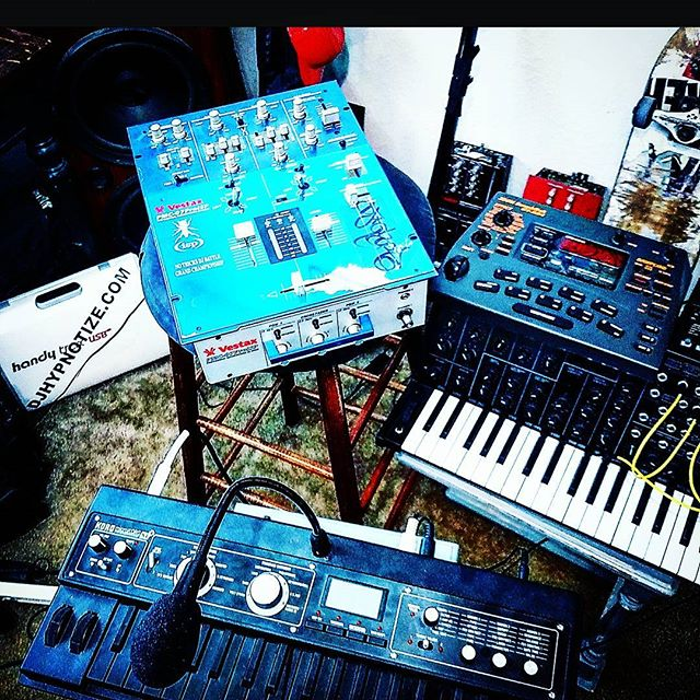 Still working.. ;)' 👽⚡✂🎹🔪 Meanwhile, at the_ #nervecenterstudio ..