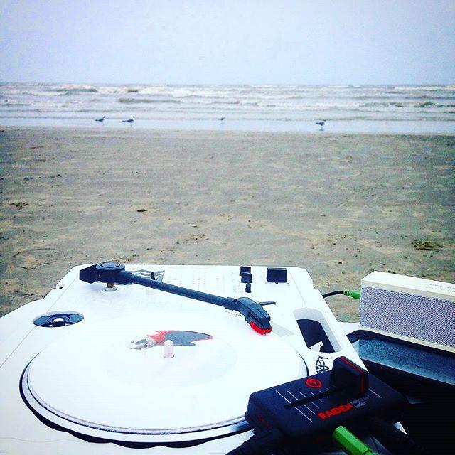🔊👽🌀⚓🌊🏄 #Beachcuts #naturecuts Right near da beach, boiiiii_#Hypstyles  #turntablism#organicsou