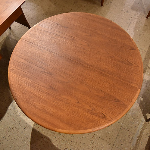 Mid-Century Modern Teak Dining Table with 2 Leaves