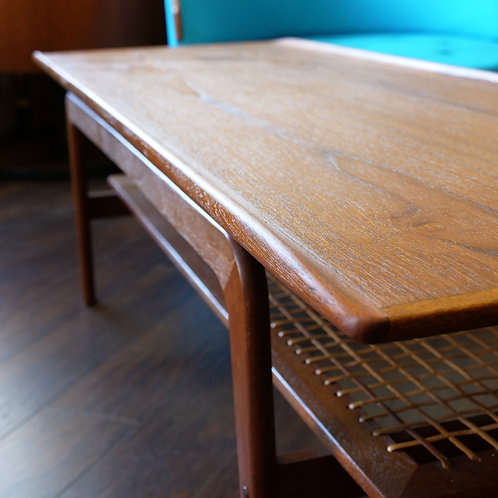 Refinished floating Arne Hovemand Olsen st, Coffee table.