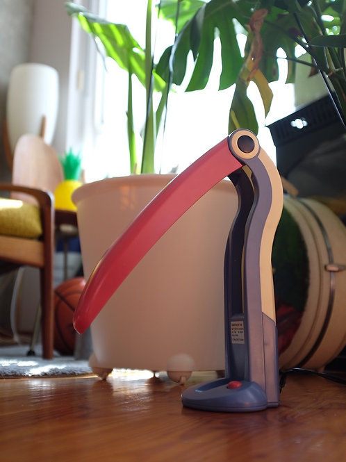 H.T. Huang Toucan lamp in excellent condition
