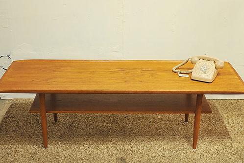 """Vintage Mid Century Modern Teak Coffee Table"""""""
