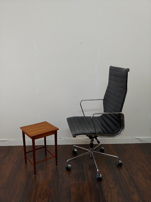 Modern Leather Eames Style Office Chair