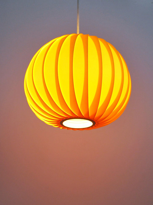 Fantastic Lantern style yellow lamp
