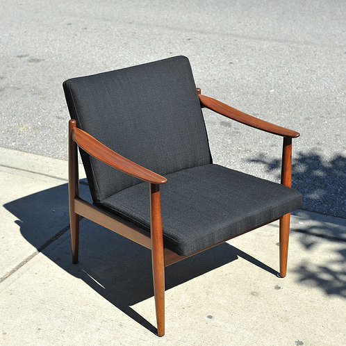 Mid Century Modern Teak Classic Lounge Chair Made in Norway by Sandvic