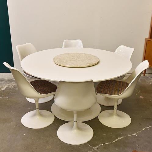 Vintage Kartel tuip table and chair set