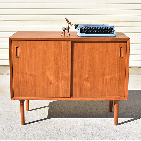 Lyby Danish cabinet in compact size, unique legs