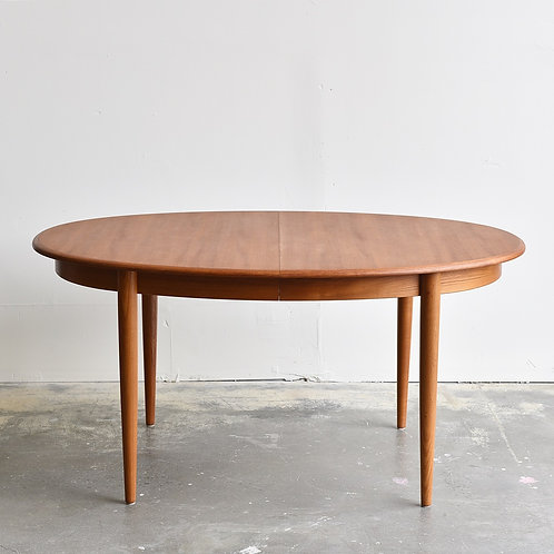 Danish MCM Teak Oval Dining Table with 2 Leaves