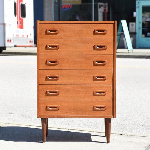 Adorable Vintage MCM Teak Dresser