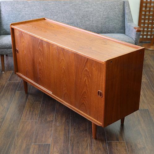 Danish modern teak sideboard, Nice medium size