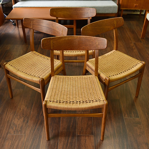 Danish Modern CH-23 Dining Chairs by Hans J Wegner 4 chairs