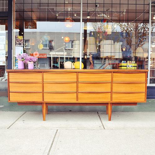 Fabulous Vintage Teak MCM 12-Drawer Dresser/Credenza