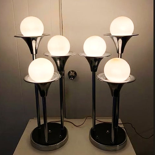 Pair of Chrome lamps designed by Goffred Orregianni