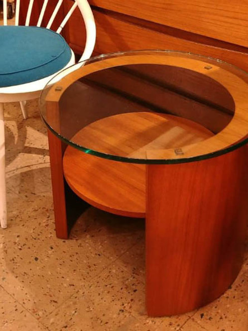 Very unique round table +glass top