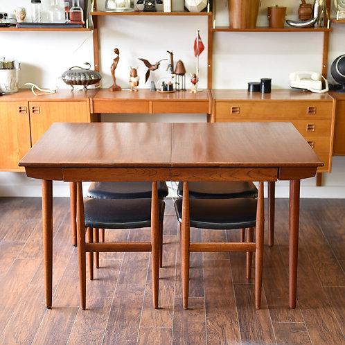 Hans Olsen's dining set for Frem Røjle: Longette 720/21