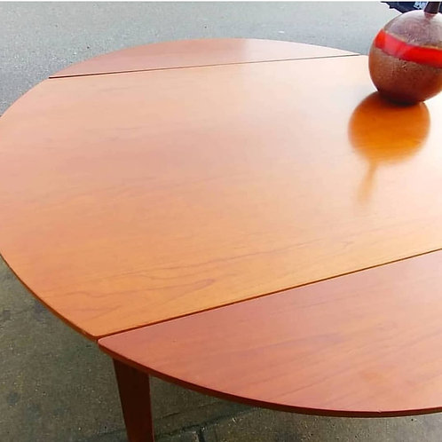 20%OFF, Original excellent condition dining table, extending with leaves