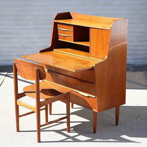 Fabulous Vintage MCM Teak Writing Desk