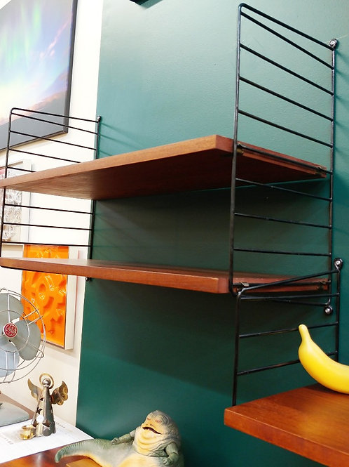 String wall unit can be adjusted as 3 or 2 sections.