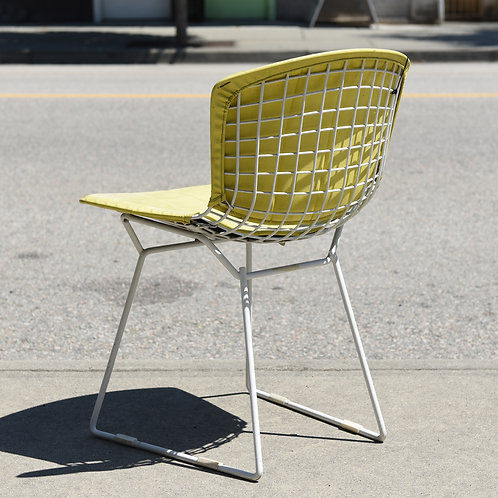 Vintage Iconic Bertoia wire chair