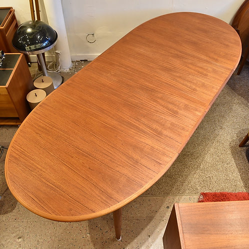 Danish Modern Teak Oval Dining Table with 2 Leaves