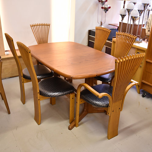 Vintage Teak Oval Dining Table with 2 Leaves