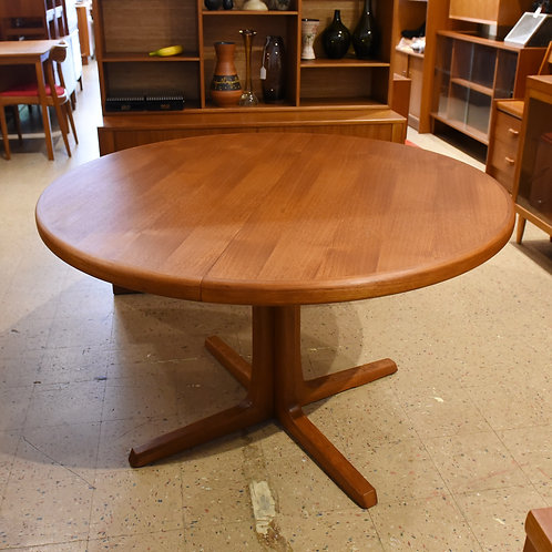 Danish Modern Teak Pedestal Round Dining Table with 2 Leaves