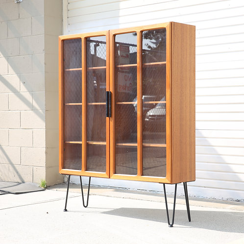 Amazing quality, design Ib Kofod Larsen's glass cabinet