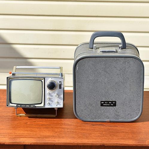 Super cute mini SONY working portable TV+original case bag