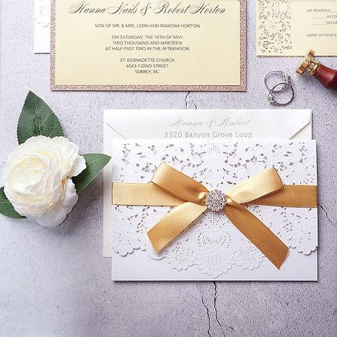 elegant-gold-and-white-pocket-wedding-in