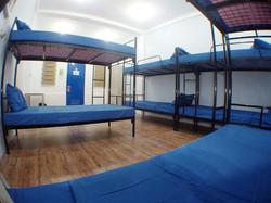 backpacker room (2)