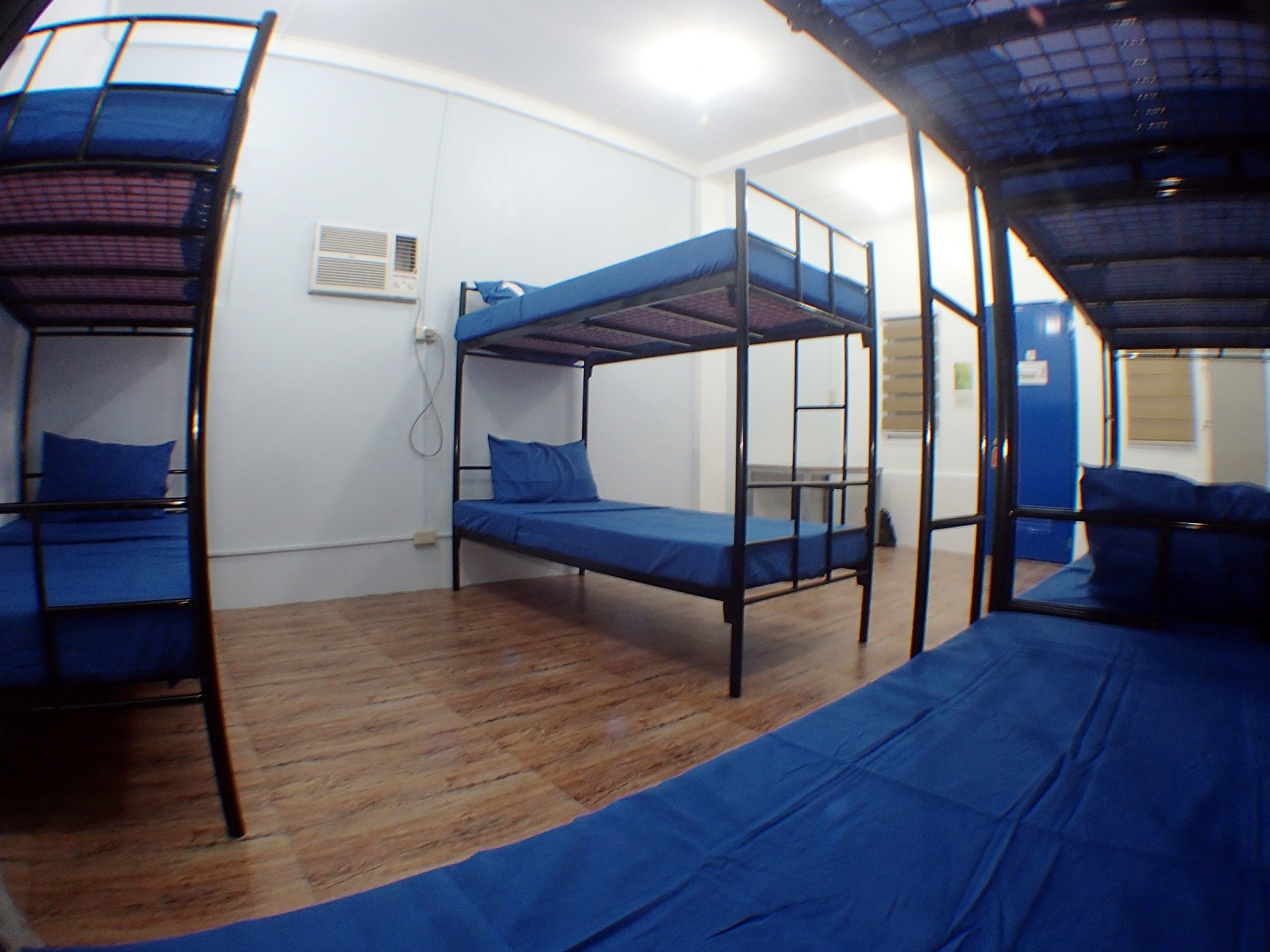 backpacker room (1)
