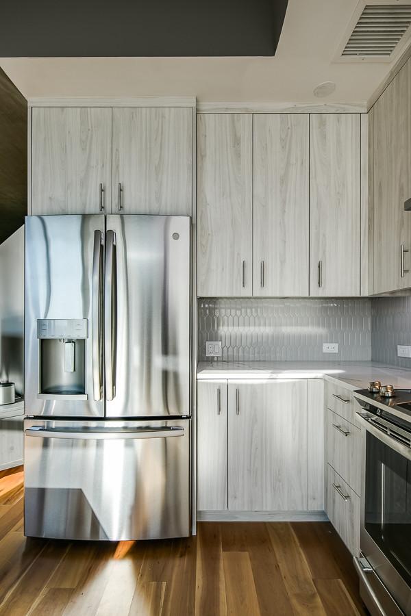6_Kitchen-6 [web res].jpg
