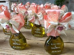 Bottiglia con olio
