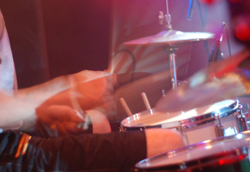 Tarif Unterricht, Open Air, Live Gig, Thomas Ganz, Schlagzeuger, Schlagzeuglehrer, Schlagzeug, Schlagzeugunterricht, Schlagzeugstunden für Kinder, Musikunterricht, Kinderunterricht, Schlagzeug lernen, Drums, Drummer, spielend Schlagzeug lernen, Schlagzeugunterricht in Winterthur, Heimunterricht