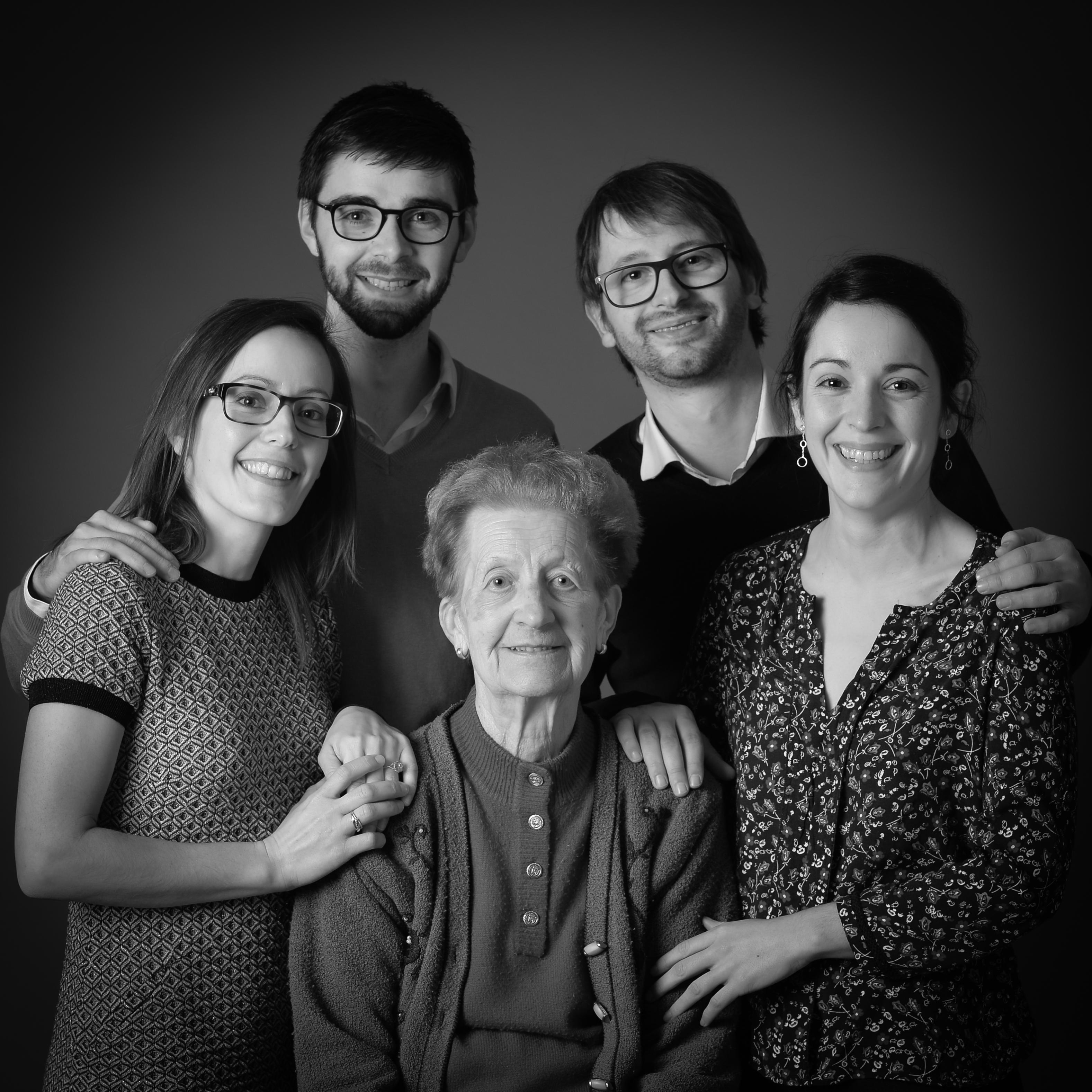 114+_Photo-portrait-famille-villefranche