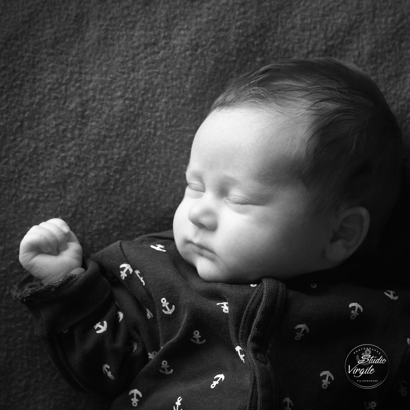 111nouveauné-enfant-bébé-photo-portrait-