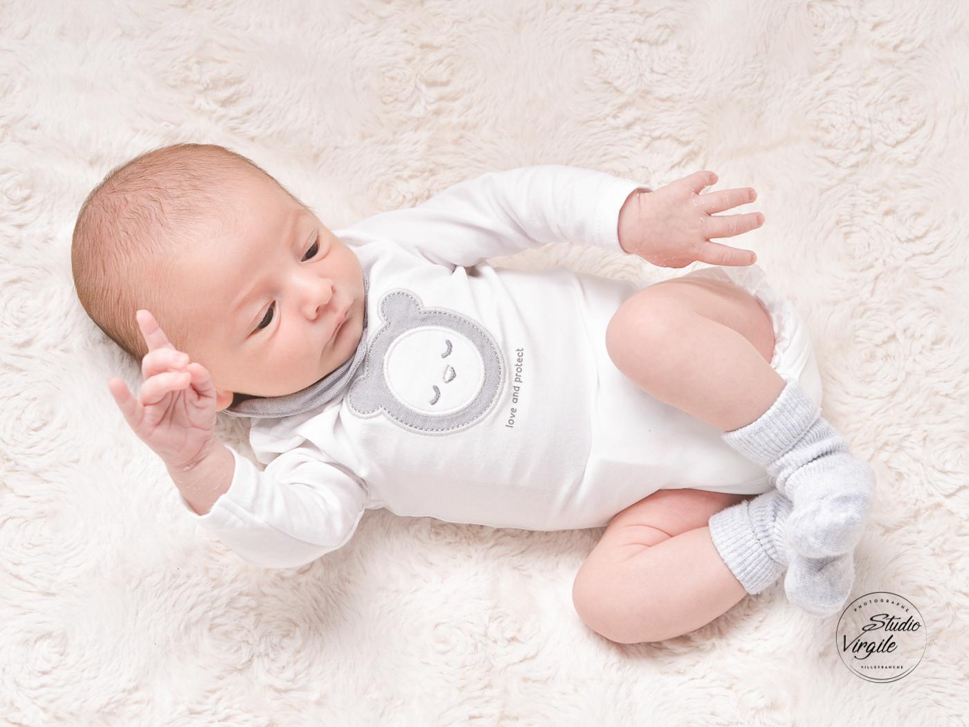 108nouveauné-enfant-bébé-photo-portrait-