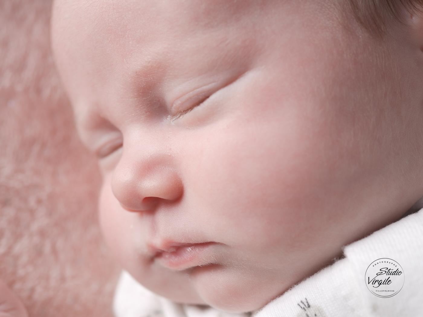 104nouveauné-enfant-bébé-photo-portrait-