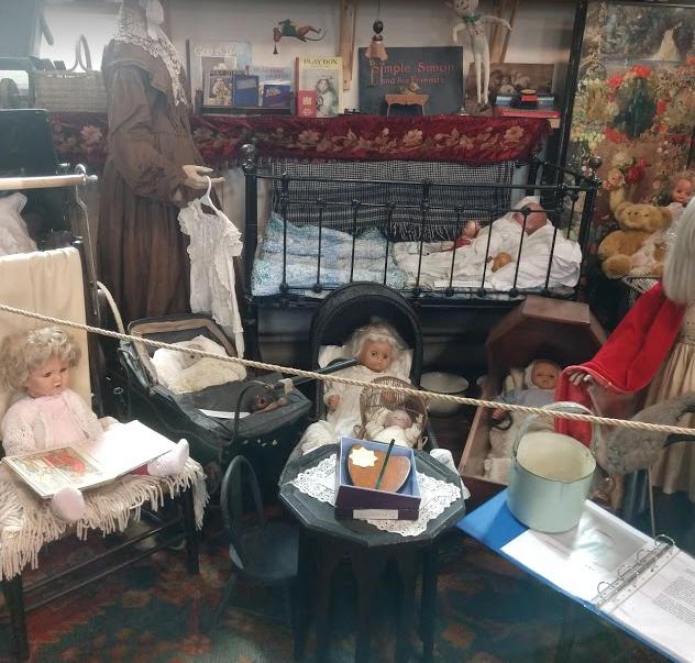 NS Museum - dolls