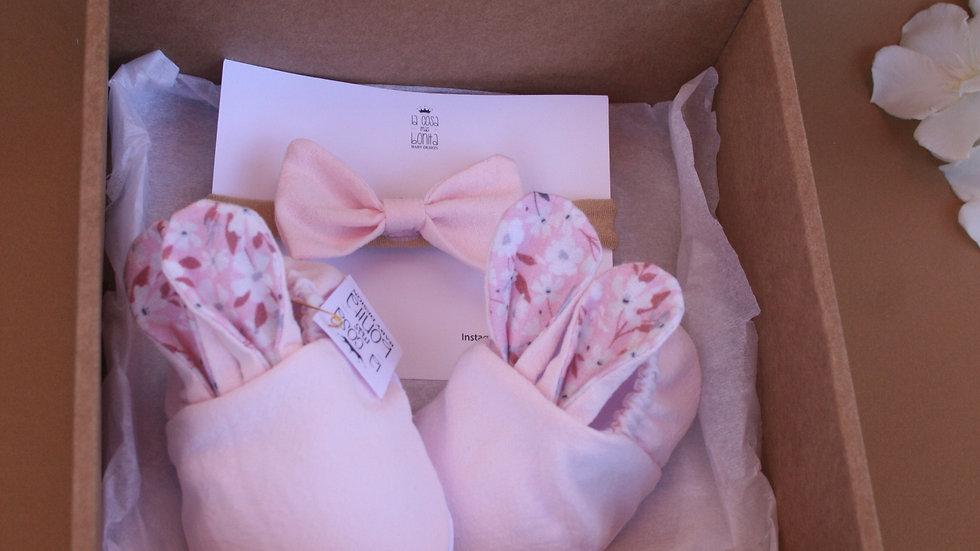 Conjunto conejitos rosa con orejas floreadas + diadema rosa con lazo