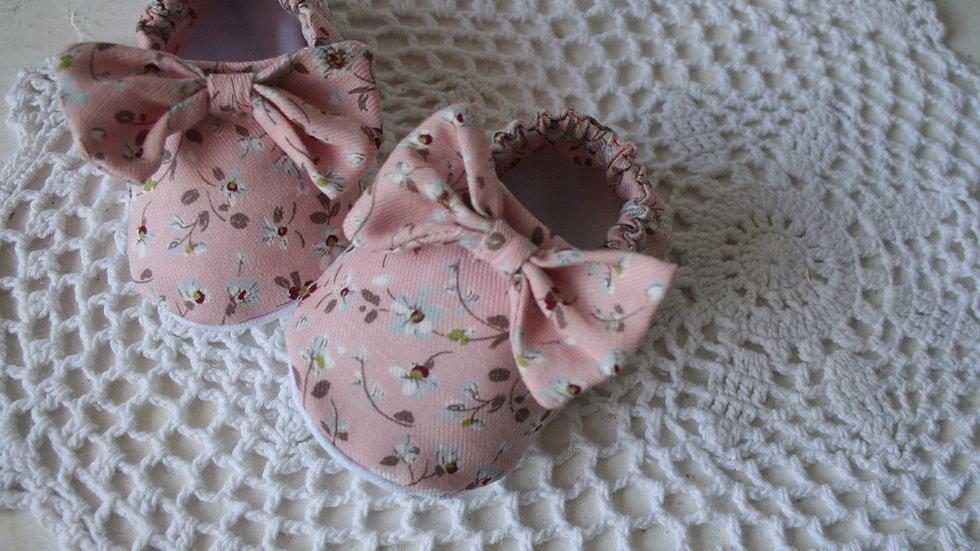 Zapatitos almendro rosa viejo con lazo