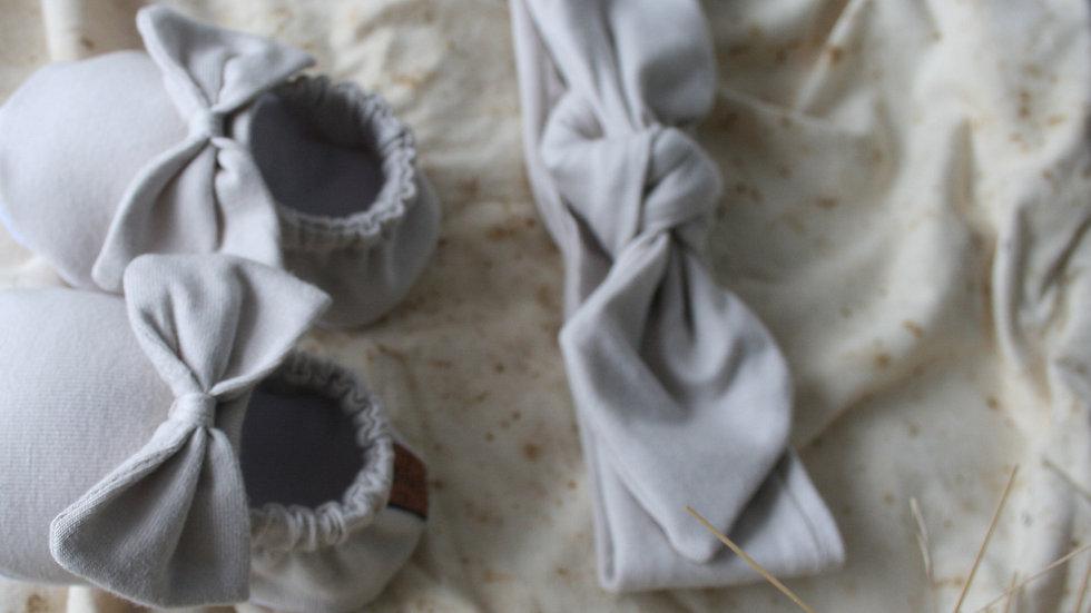 Zapatito arena con lazo + diadema