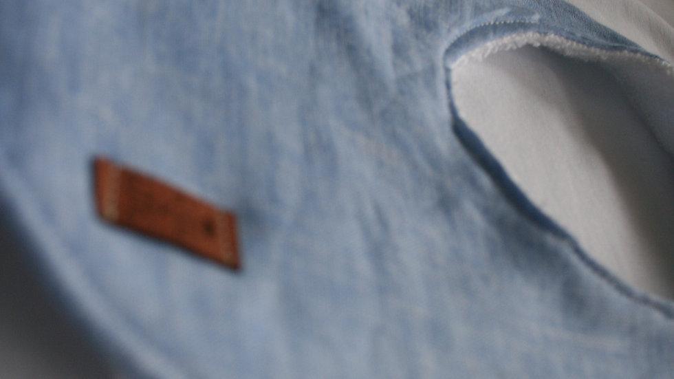 Babero azulado